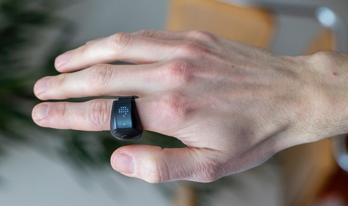 """""""Wave For Work"""" smart ring lets you control your computer"""